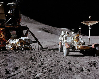 Open-Minded Apollo 15 James Irwin Loads Lunar Rover 11x14 Silver Halide Photo Print Utmost In Convenience