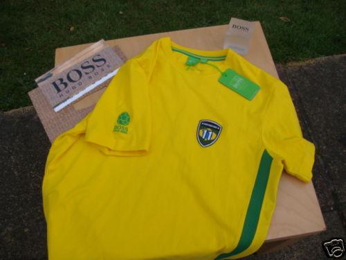 NUOVA Hugo Boss BRASILE 2014 ENGLAND PANINI Coppa del Mondo Squadra di Calcio TShirt Large