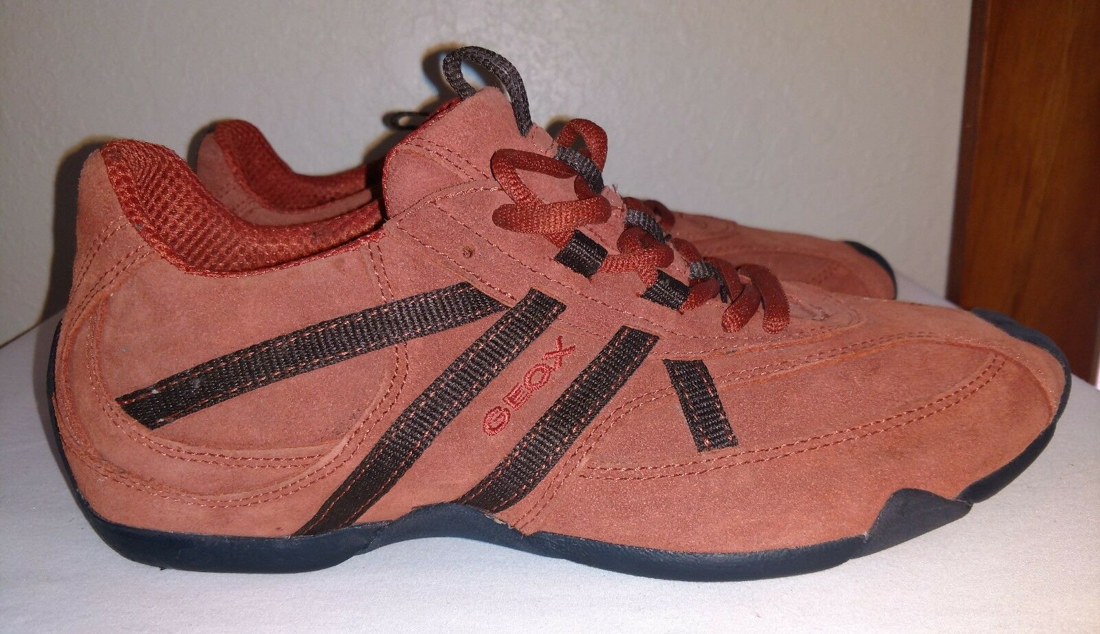 NEW GEOX RESPIRA Mens Sneakers orange Brown Suede Leather shoes Sz 10 10.5
