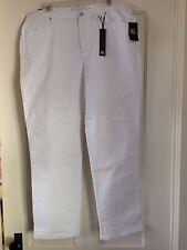 Women's Gloria Vanderbilt Amanda Jeans White Embellished Back Pockets NWT Size16