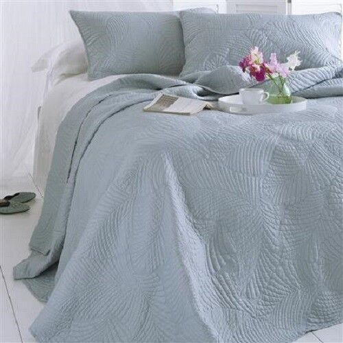 PANAMA - QUILTED BEDSPREAD & SHAMS - DOUBLE & KING - STRAIGHT EDGE