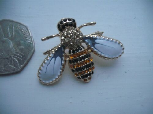 Beautiful Vintage Style HONEY BEE Bumble Insect  GOLD PLATED CRYSTAL SET BROOCH
