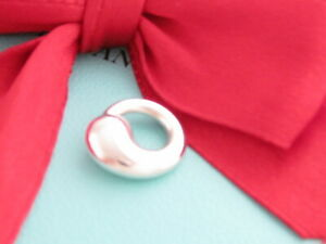 Auth-Tiffany-amp-Co-Silver-Peretti-Eternal-Circle-Pendant-Charm