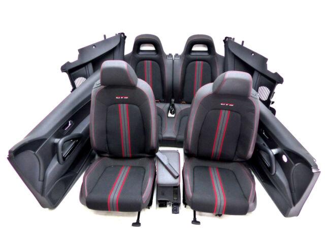 VW Scirocco GTS Sport Teil Leder Innenausstattung Sitze erst 43 Km gelaufen !