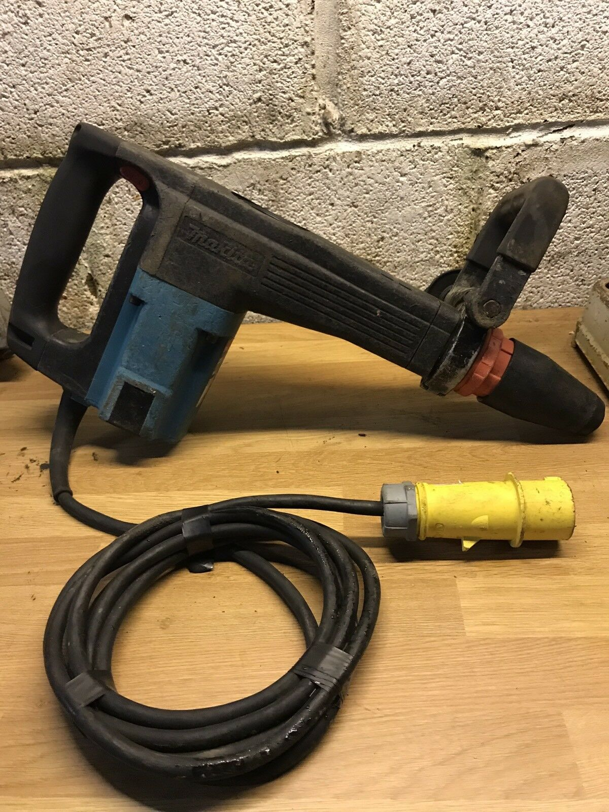 MAKITA HM1100C Breaker 110v Variable speed SDS MAX