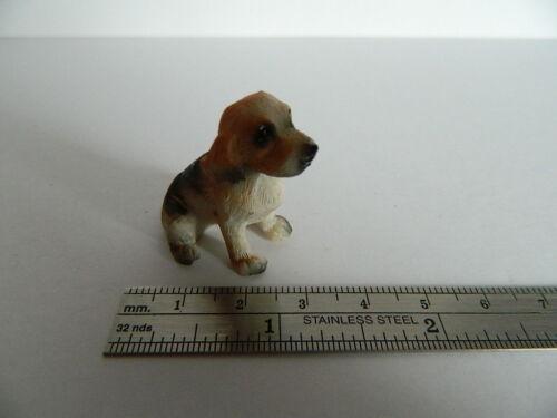 Casa delle Bambole Set di tre cani in resina assortiti G6.18