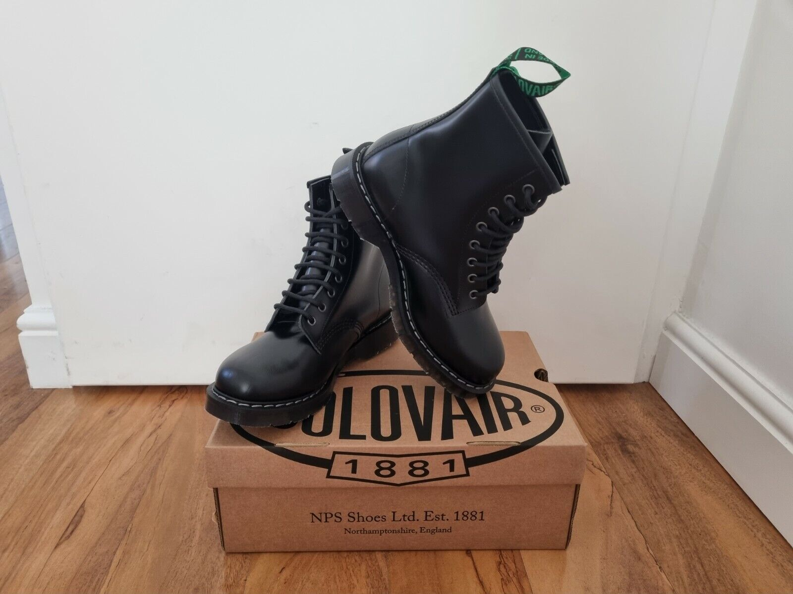 NPS SOLOVAIR Black Shiny Leather 8 Eye Derby Boot Size 6 1/2