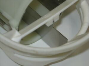 Vicon Spreader Spout Clip