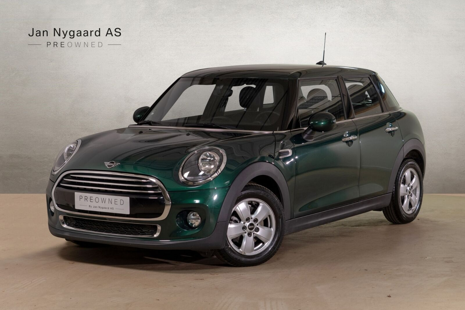 Mini Cooper 1,5 136 5d - 260.000 kr.
