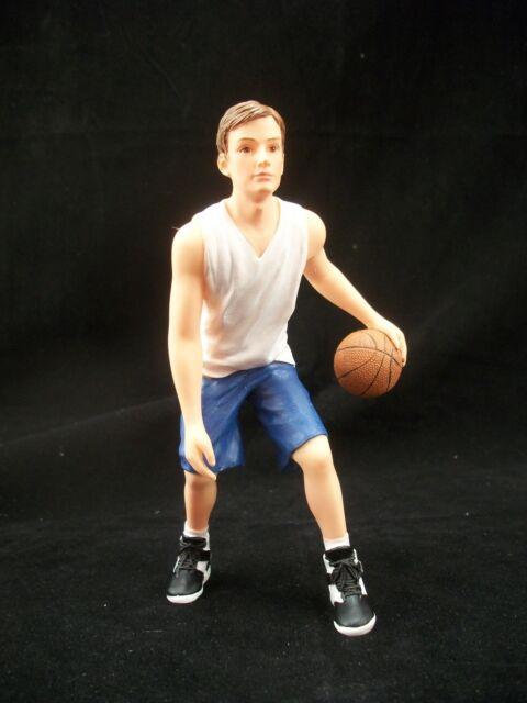 Resin Doll 3030 1//12 scale Houseworks figurine Anna girl basketball player