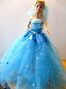 Barbie-doll-blonde-hair-fashion-pose-top-amp-long-blue-stared-skirt-extra-dress