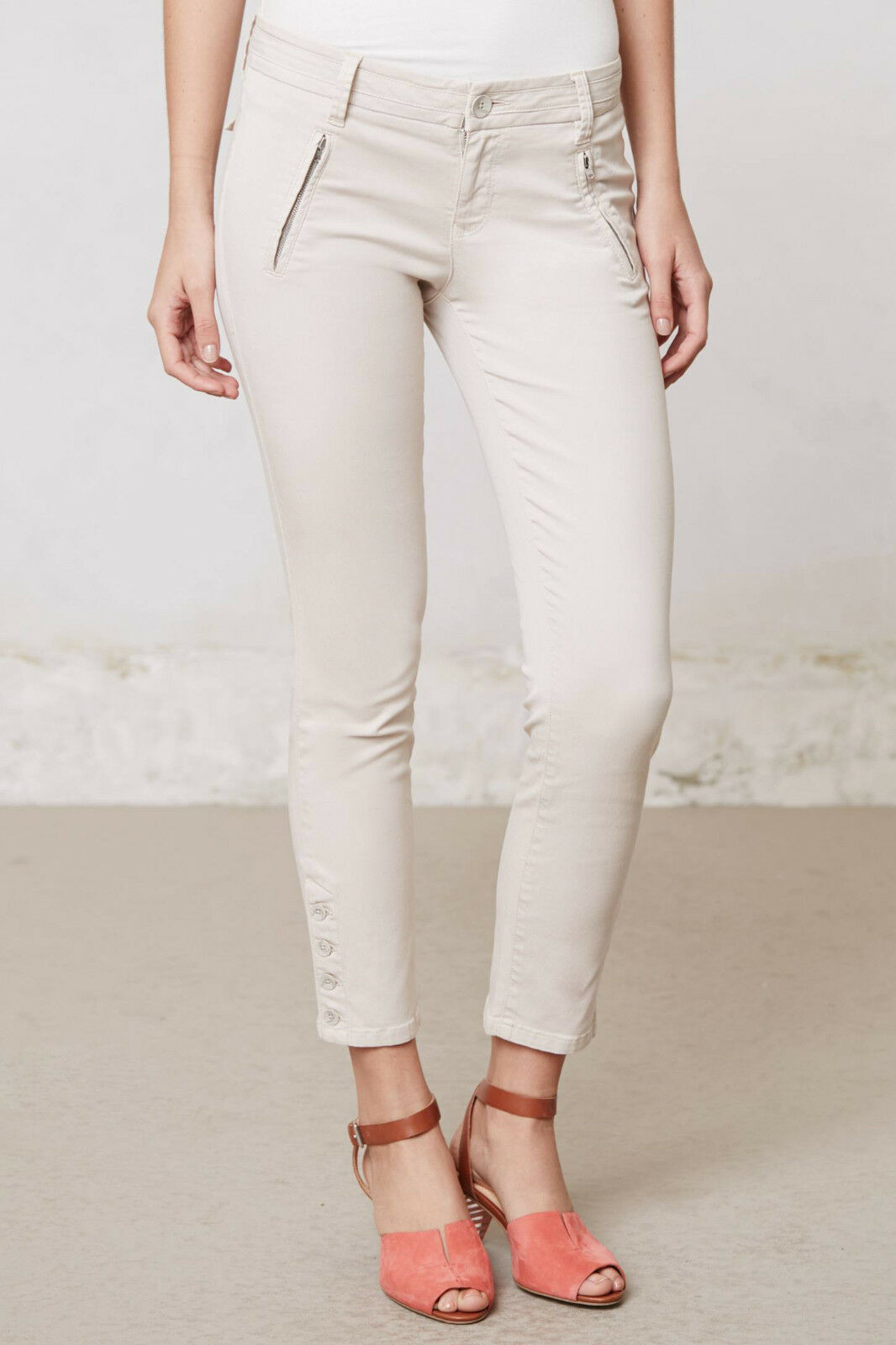Level 99 Slim Twill Crops Pants Sizes 28, 32 Cream color NW ANTHROPOLOGIE Tag
