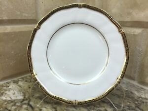 Wedgwood-WINDSOR-BLACK-BREAD-AND-BUTTER-PLATE-6-1-8-034-made-in-England