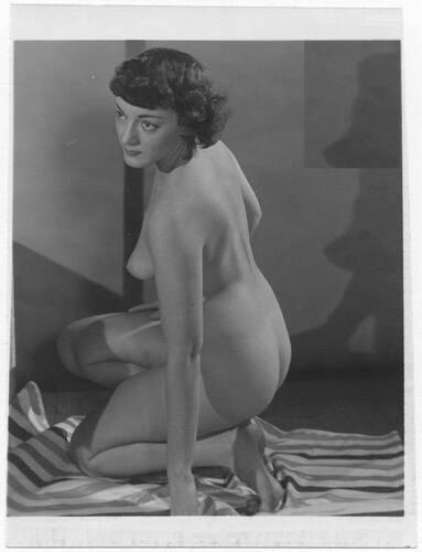 //S200 leicht bekleidete Frau aus den 1950er//60er Jahren 76 Akt Vintage Foto