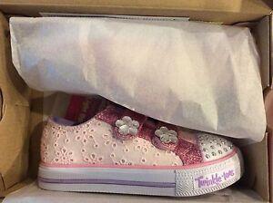 Details zu Skechers Twinkle Toes Frill Seeker Girls 11 12 Light Up Pink Eyelet Shoes NEW