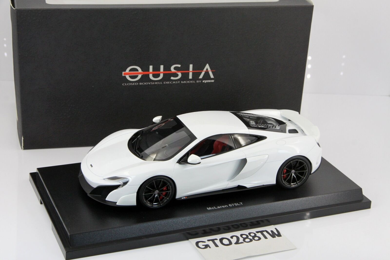 Kyosho Ousia 1 18 Scale McLAREN 675LT Diecast Model-Blanc (09541 W)