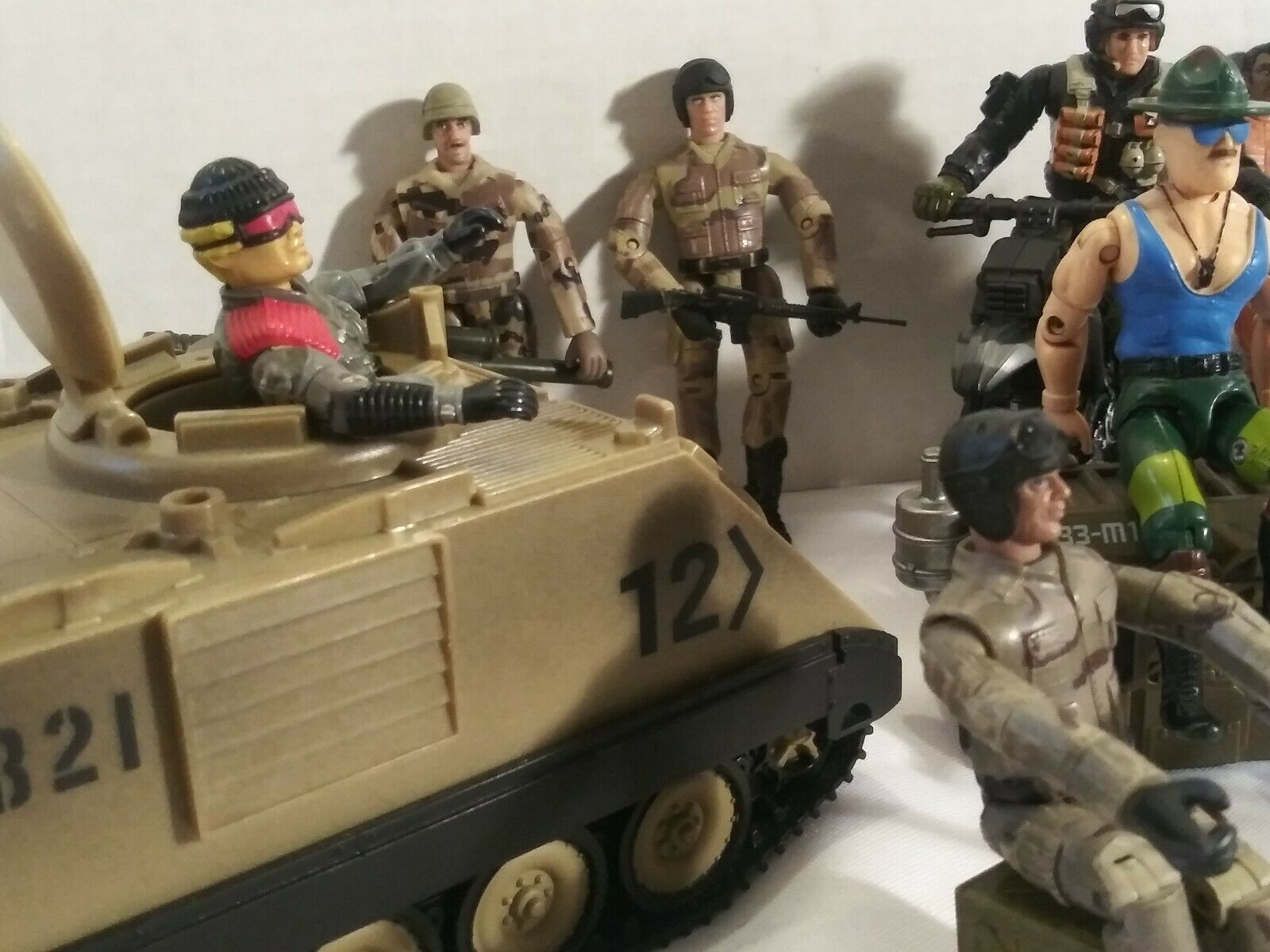 LOT OF DONNGUAN GUANGDONG SOILDER ACTION FIGURES AND MORE MORE MORE 1bbc73