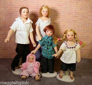 Dolls-House-Porcelain-Dolls-Family-of-5-in-Jeans-1-12-modern-Streets-Ahead