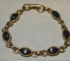 Vintage-Scarab-Style-Lune-Brillante-Lucite-Charbon-Cab-or-Ton-7-5-034-Bracelet-7N
