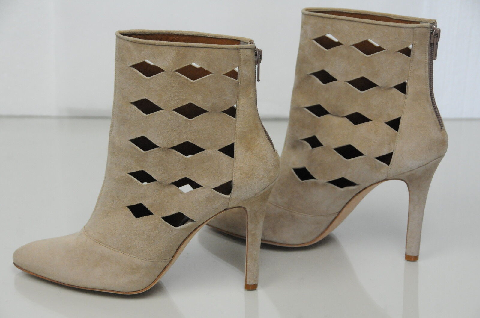 $1435 NEW MANOLO BLAHNIK Beige Light Brown Suede Ankle BOOTS booties  SHOES 41