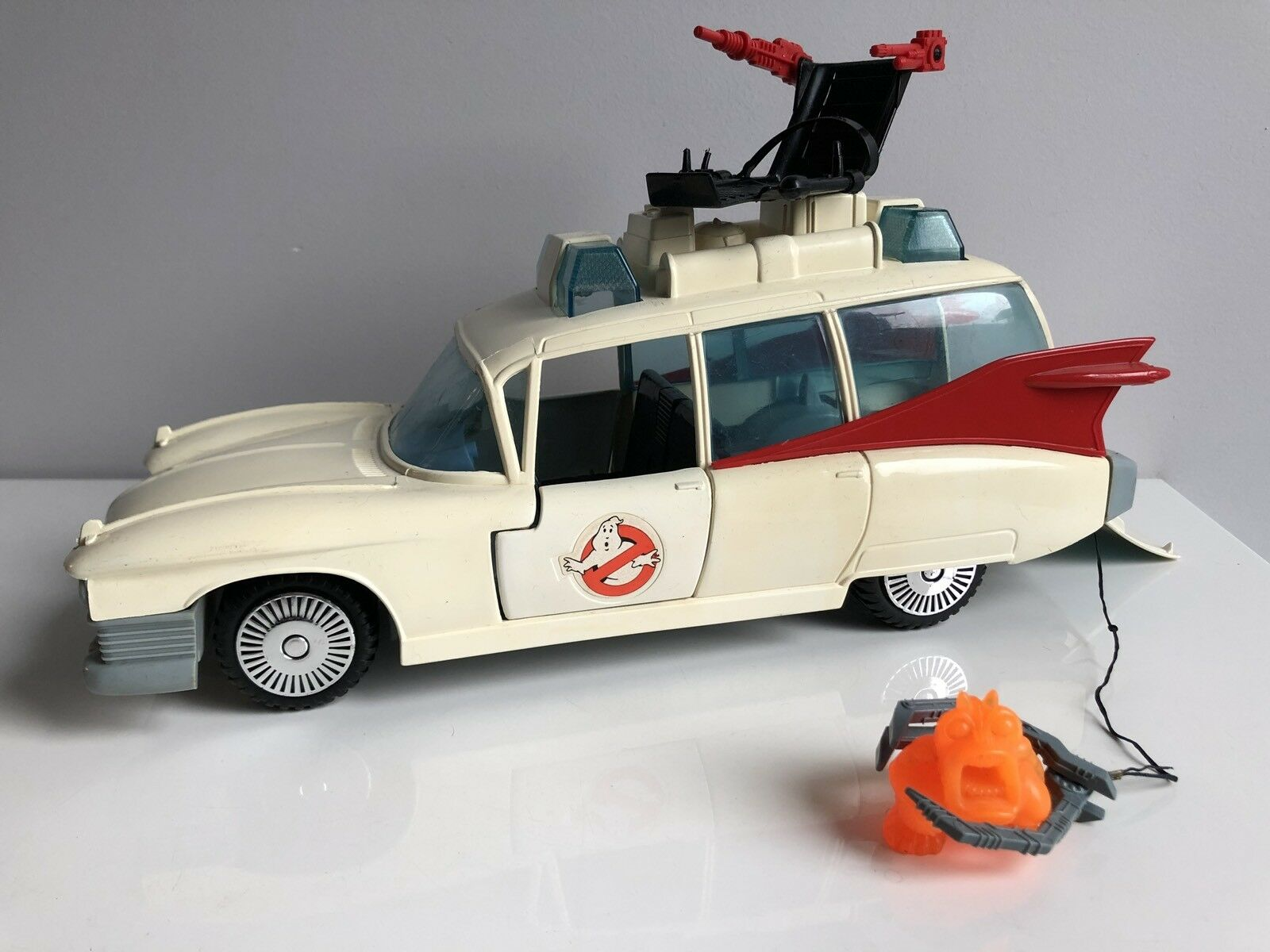 Ghostbusters Ecto 1 Ecto-1 100% Complete Working C8  2