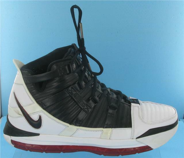 BOXED NIKE ZOOM LEBRON III /RED Hommes TRAINERS blanc/ Noir /RED III gris 32c427