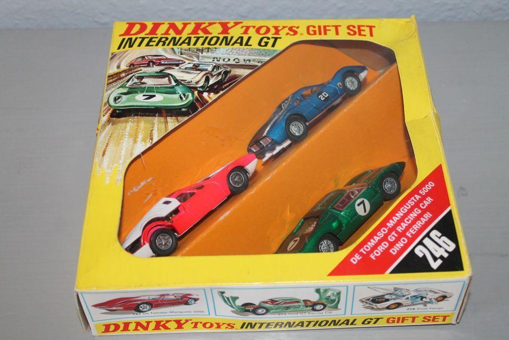 DINKY TOYS * International GT GT GT Set * FORD ferrari de tomaso * Neuf dans sa boîte * RAR (1) | Online Shop  b6f8a7