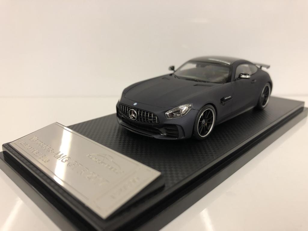 Presque réel 420712 MERCEDES AMG GT R 2017 en cuir Matt bleu échelle 1 43