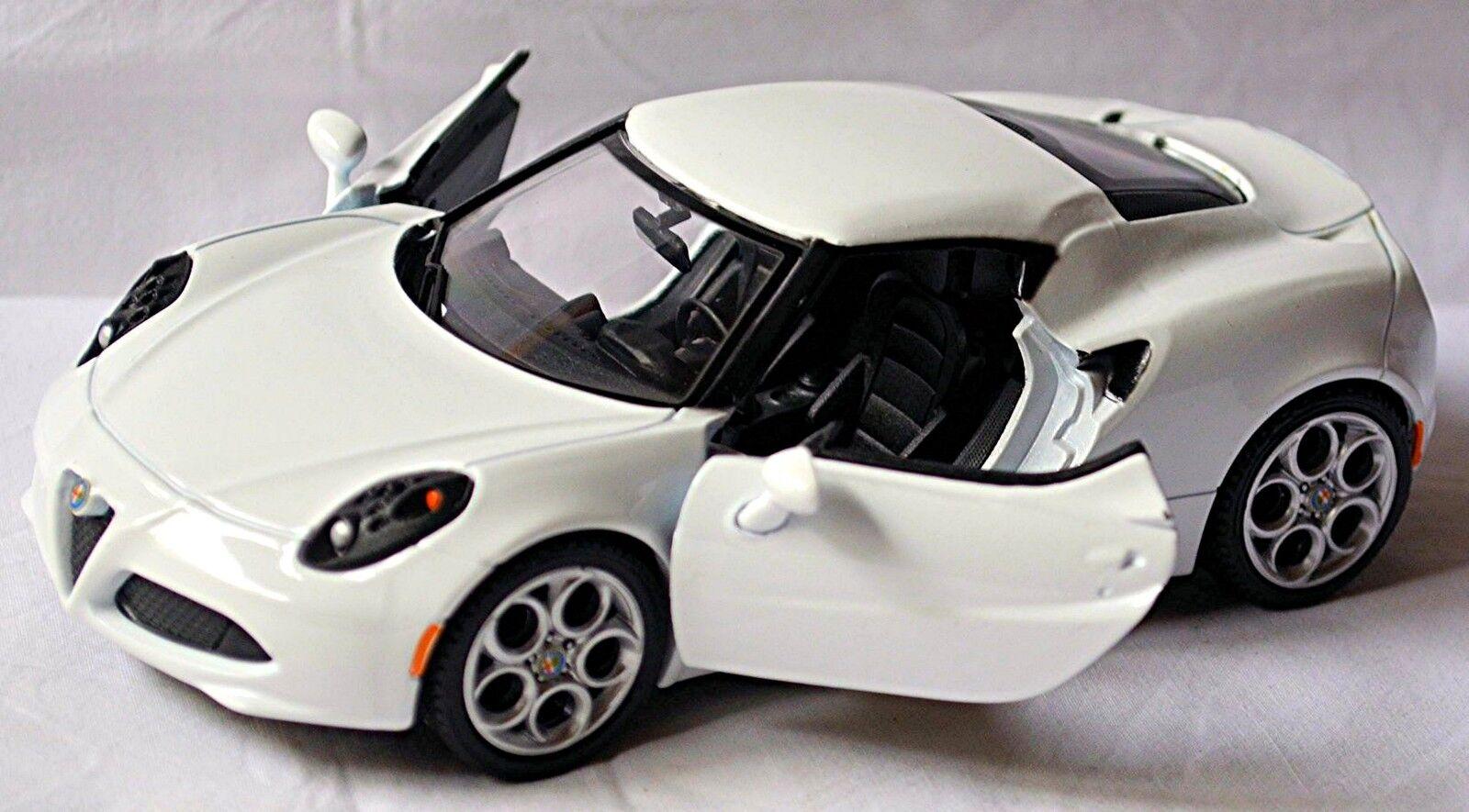 Alfa Romeo 4C 2013-16 white white 1 24