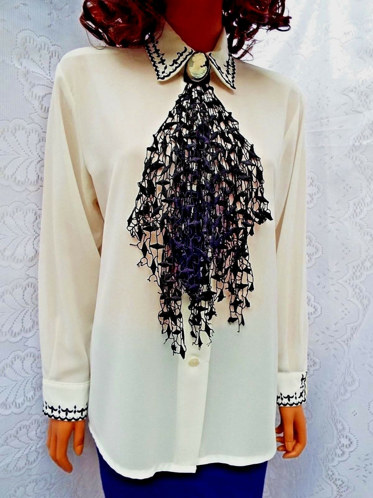 ☆BETTY BARCLAY  Beautiful schwarz Jabot Front Blouse in Ivory Long Sleeve Größe 10