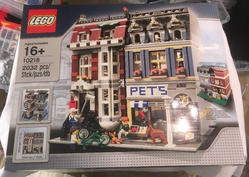Lego Modular Building Pet Shop Set 10218 From 2011  Brand New