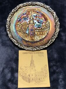 Fenton-AMETHYST-CARNIVAL-GLASS-CHRISTMAS-IN-AMERICA-1974-PLATE-amp-Booklet