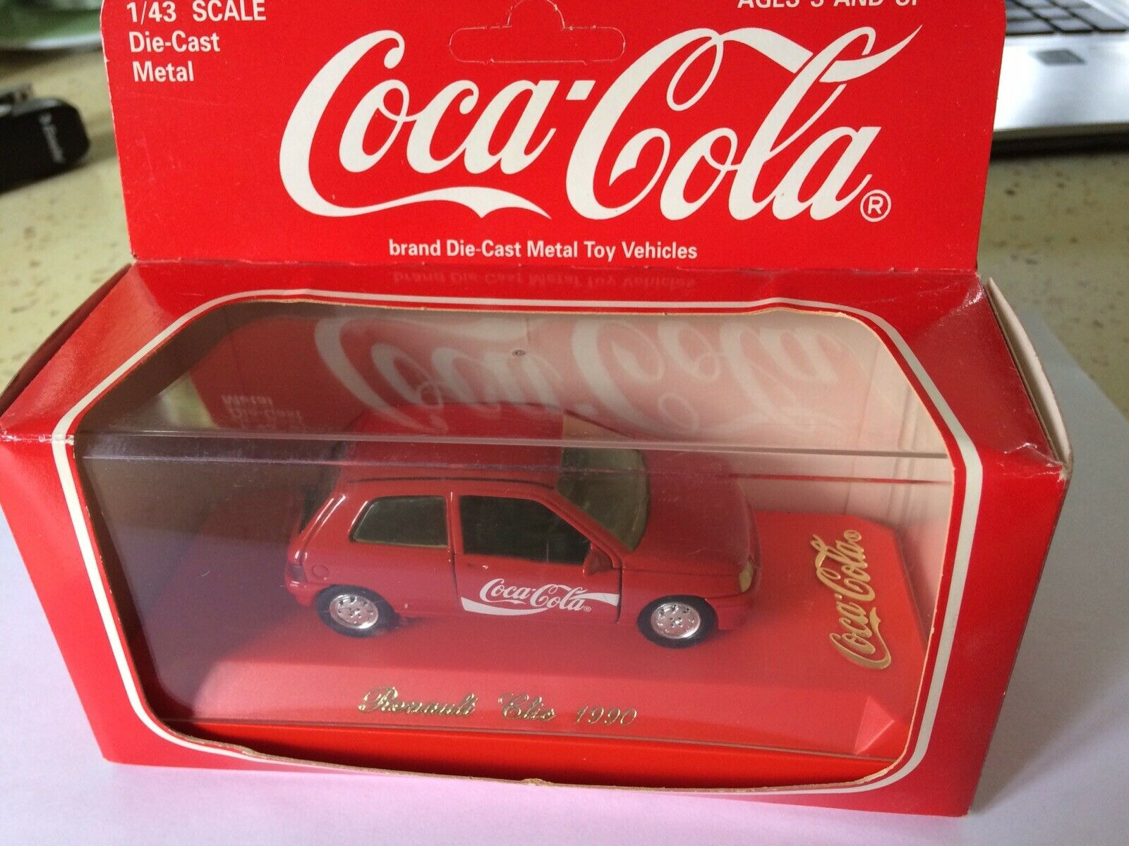 Renault clio 1 rot 1990 serie speciale coca cola solido 1 43 new