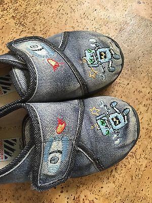 Jungen Schuhe Hausschuhe mit Roboter In Blau Gr. 25 von Elefanten