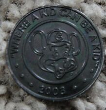 CHUCK E CHEESE  BLACK TOKEN 2003 VERY RARE SHOWBIZ PIZZA CHUCKECHEESE COIN 2