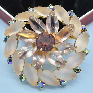 Vintage-Brooch-Large-1950s-Pink-Satin-Glass-amp-Purple-Crystal-Goldtone-Jewellery