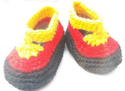 Baby Ballerina Schuh gehäkelt/OmaEle 11 cm Sohle für Fans in schwarz rot gelb