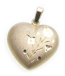 Anhaenger-Herz-mit-Blume-Gold-333-diamantiert-8-Karat-Gelbgold-Damen