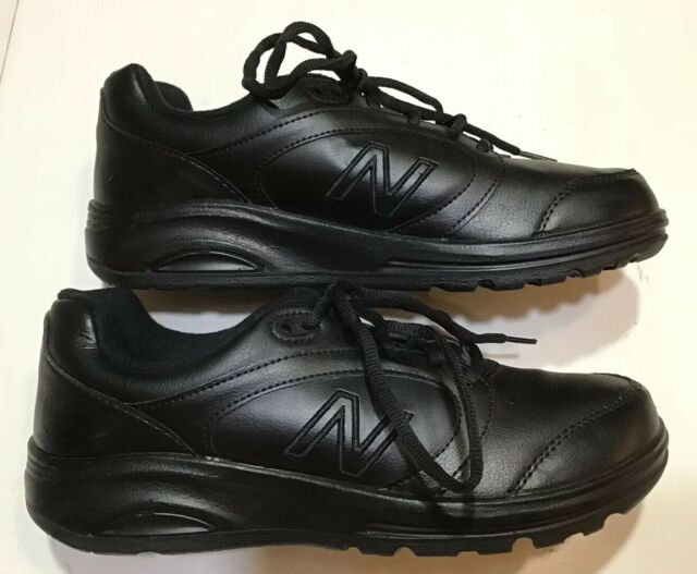 674 Walking Shoes Black Leather Sz