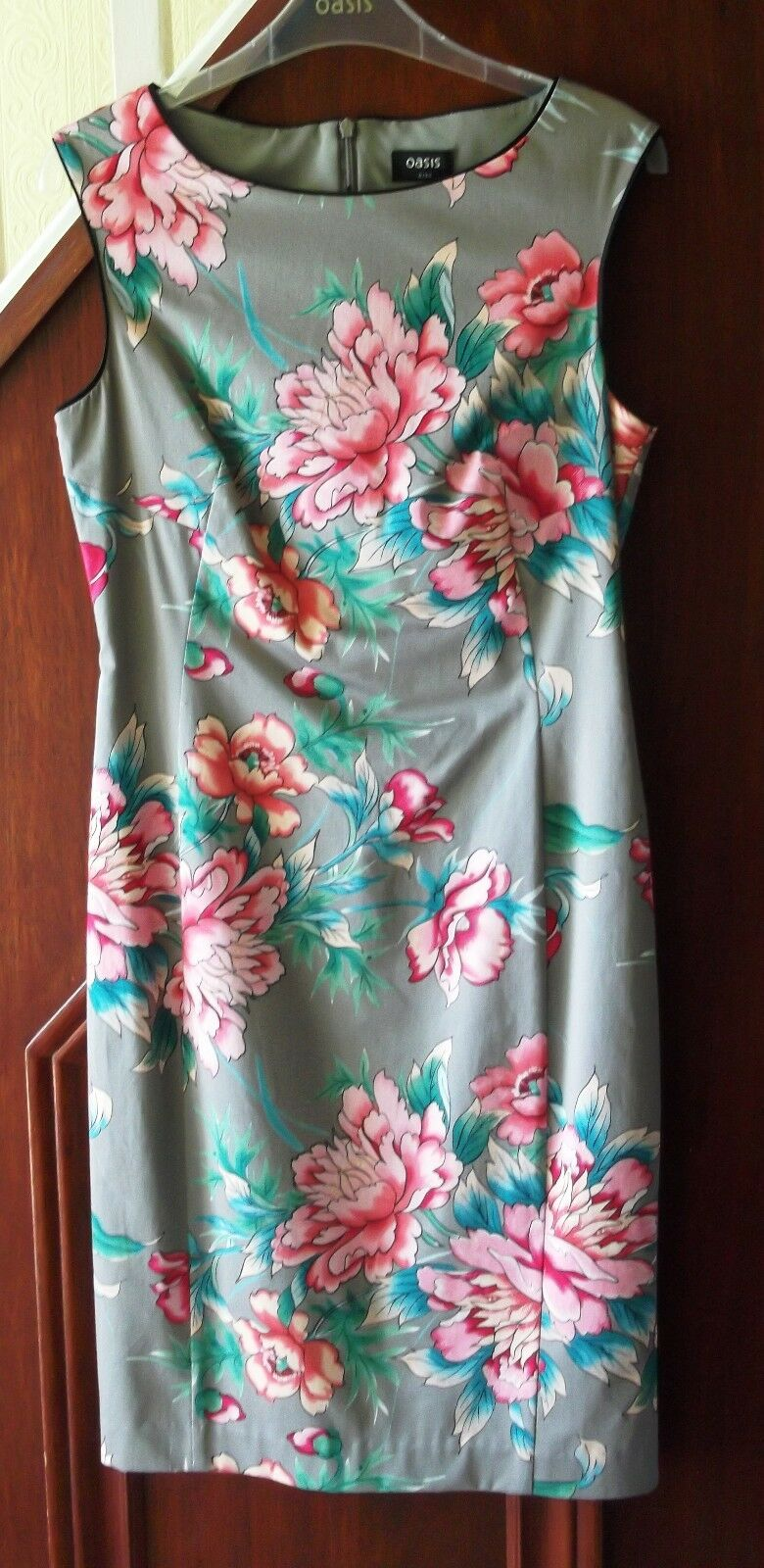 Oasis pencil dress, grey with tropical pink flowers size 8 RRP  BNWT