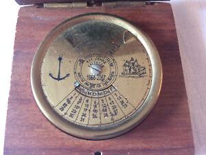 111 Jähriger Messing Kalender 1956 - 2067 In Original Holzbox Vintage