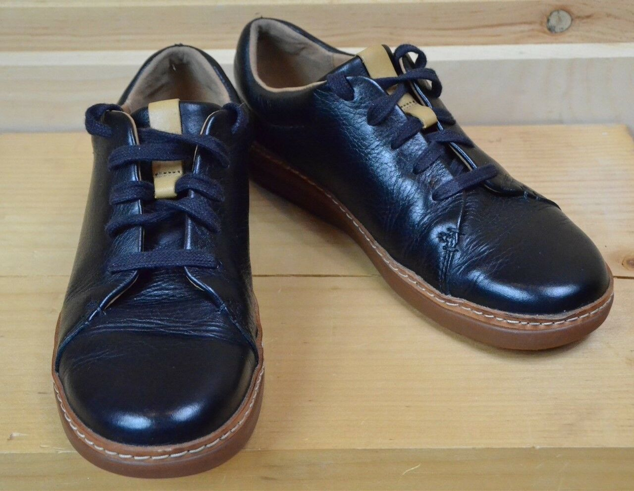Clarks Size 8 Sneaker Artisan Amberlee Crest Black Leather Lace Up EUC