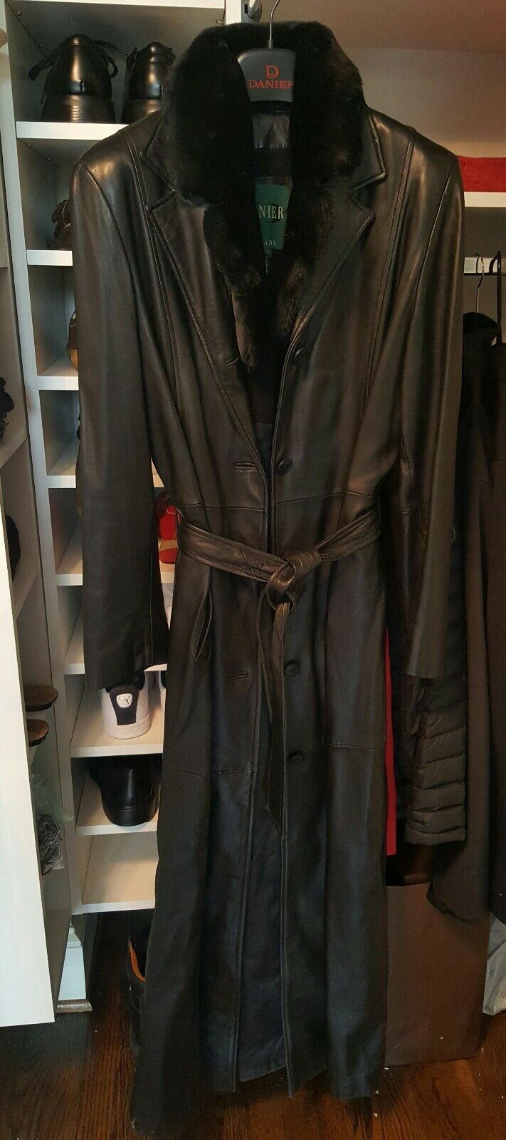 DANIER LEATHER COAT  Soft Lamb Leather, Great Condition