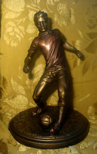 AUSTIN-SCULPTURE-FANCY-FOOTWORK-FOOTBALL-SOCCER-PLAYER-S-ROMO-SIGNED-USA