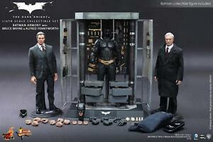 Hot-Toys-MMS236-1-6-armory-set-with-Alfred-and-Bruce-Wayne