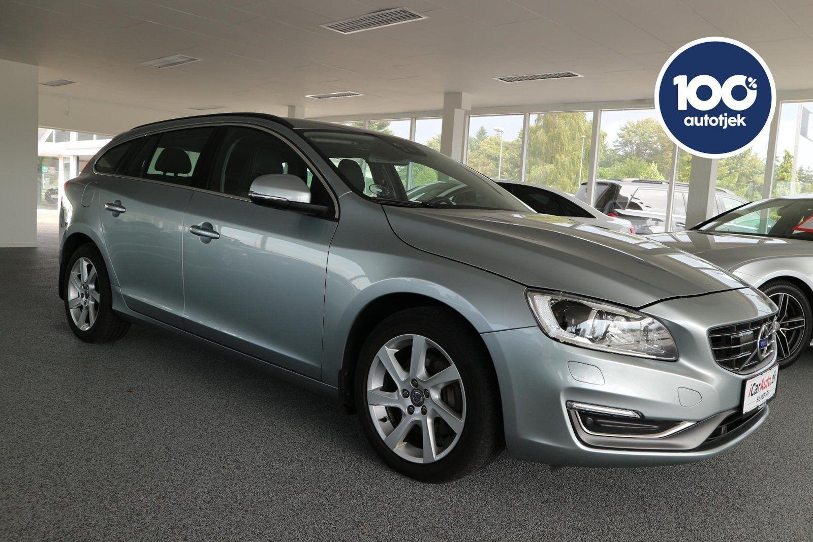 Volvo V60 2,4 D5 215 Momentum aut. 5d - 349.900 kr.