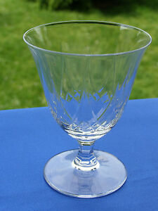 ancien verre de table en cristal taillé de BACCARAT modèle LASALLE antique glass - France - EBay VERRE ANCIEN EN CRISTAL DE BACCARAT , modle Lasalle non signé car antérieurs 1936 HAUTEUR : 79 mm , DIAMTRE AU BUVANT : 61 mm PARFAIT ÉTAT - NI ÉCLAT NI CASSURE - France