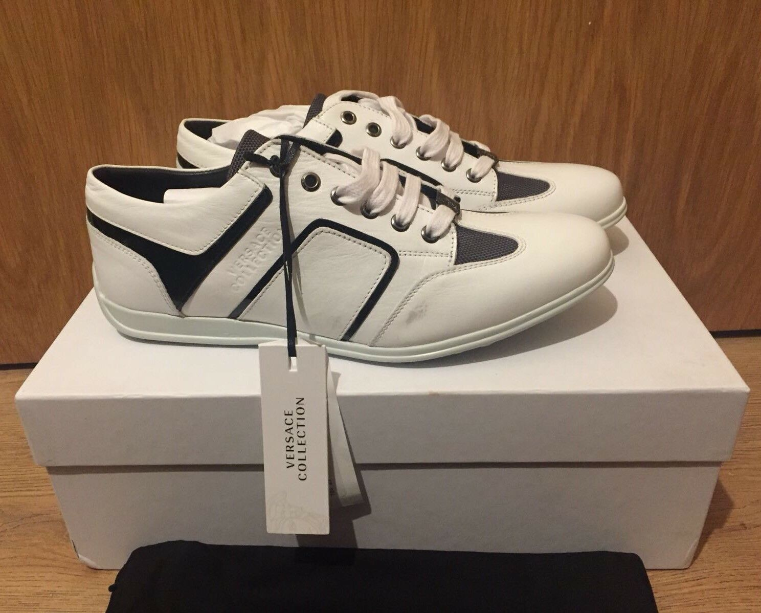 Versace Collection Off-Weiß Niedrig Top Top Top Logo Trainers Sneakers UK 6.5 c89820