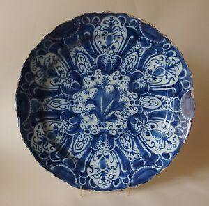 A-LARGE-18th-Century-DUTCH-DELFT-CHARGER-DISH-PLATE-14-ins-MARKED-IH