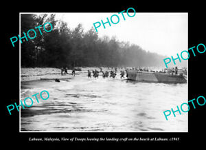 OLD-POSTCARD-SIZE-PHOTO-LABUAN-MALAYSIA-AUSTRALIAN-TROOPS-LANDING-c1945-2